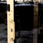 Установка-замена замков в пластиковых дверях